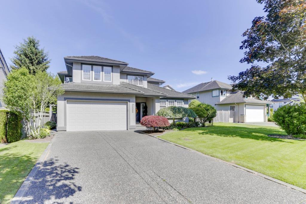 """Photo 2: Photos: 9202 202B Street in Langley: Walnut Grove House for sale in """"COUNTRY CROSSING"""" : MLS®# R2469582"""