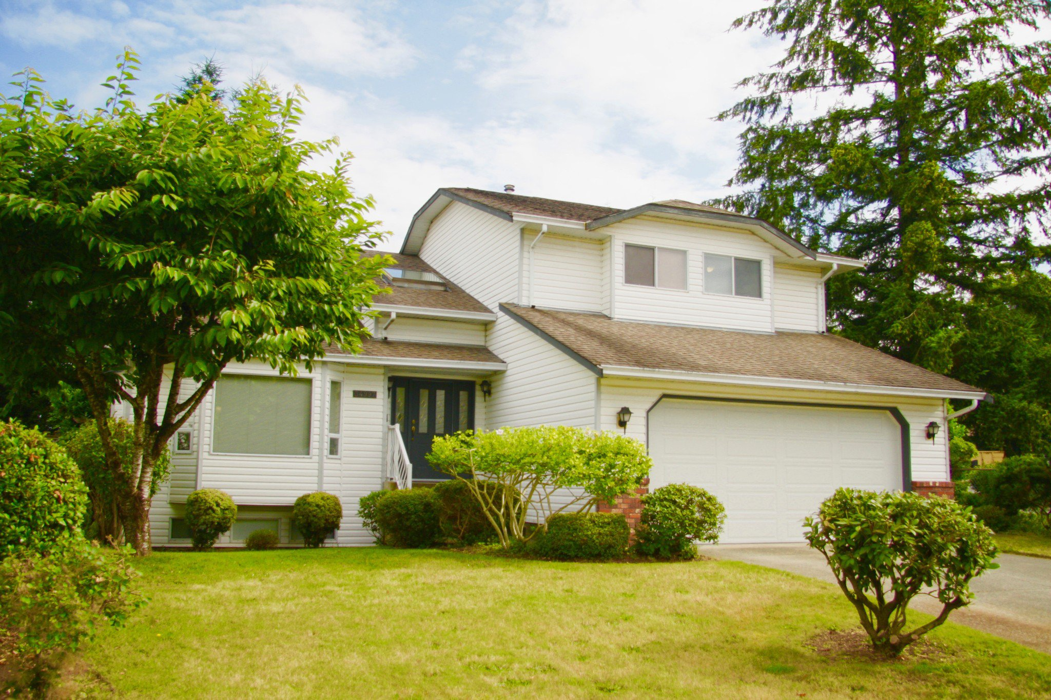 Main Photo: 33497 Exbury Avenue in Abbotsford: Abbotsford East House for sale : MLS®# R2487859