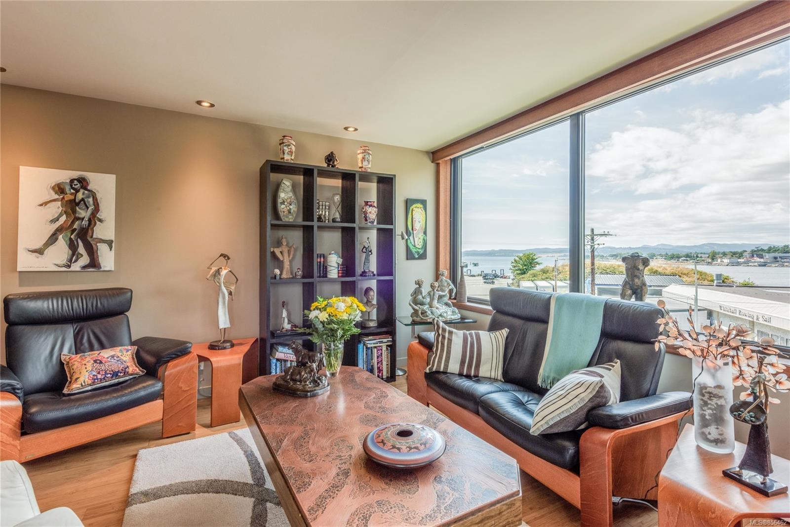 Main Photo: 304 104 DALLAS Rd in : Vi James Bay Condo for sale (Victoria)  : MLS®# 856462