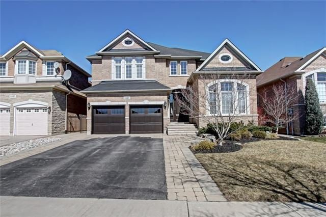 Main Photo: 2393 Eighth Line in Oakville: Iroquois Ridge North House (2-Storey) for lease : MLS®# W4957596