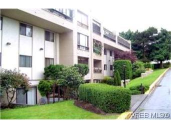 Main Photo: 306 955 Dingley Dell in VICTORIA: Es Kinsmen Park Condo Apartment for sale (Esquimalt)  : MLS®# 203658