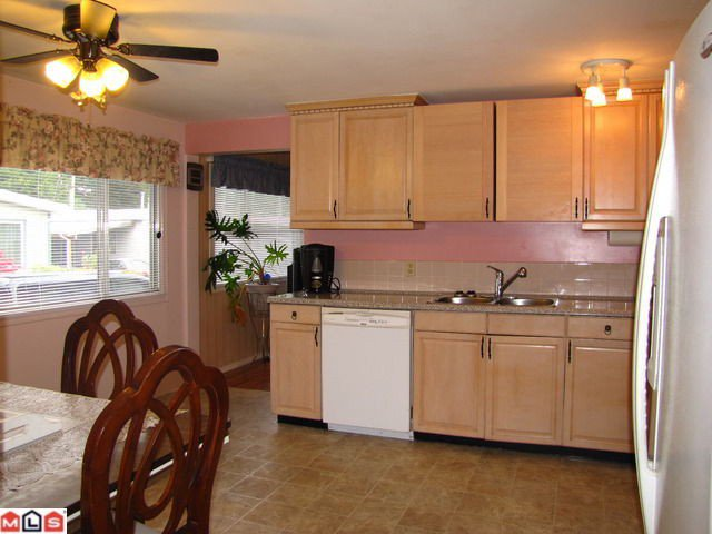 """Main Photo: 131 3031 200TH Street in Langley: Brookswood Langley Manufactured Home for sale in """"Cedar Creek Estates"""" : MLS®# F1226299"""
