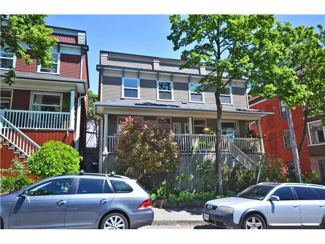 Main Photo: 618 JACKSON Avenue in Vancouver: Mount Pleasant VE Townhouse for sale (Vancouver East)  : MLS®# V1010749
