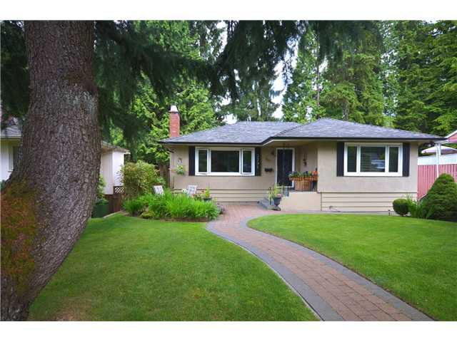 """Main Photo: 3791 SUNSET Boulevard in North Vancouver: VNVED House for sale in """"EDGEMONT"""" : MLS®# V1016597"""