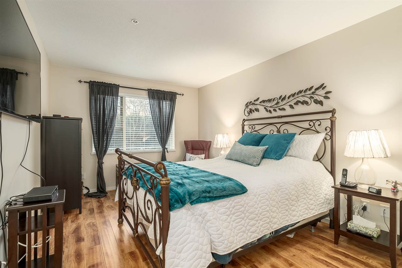 Main Photo: 113 4728 DAWSON STREET in Burnaby: Brentwood Park Condo for sale (Burnaby North)  : MLS®# R2048425