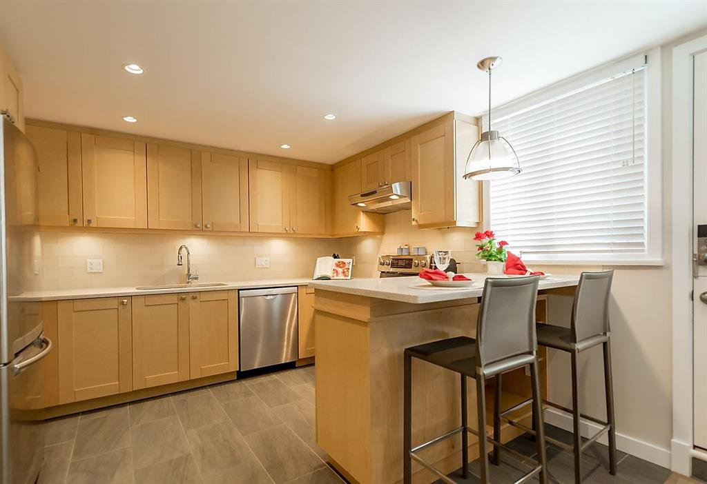 Photo 3: Photos: 2383 Cypress Street in Vancouver: Townhouse  : MLS®# R2066659