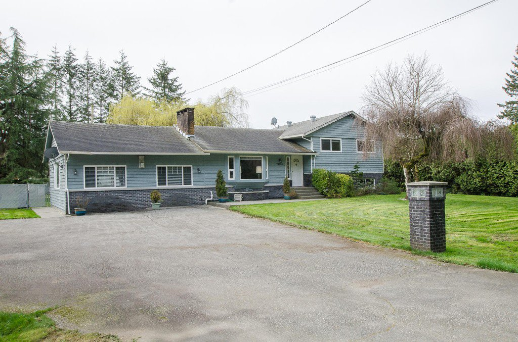 Main Photo: 24700 50 Avenue in Langley: Salmon River House for sale