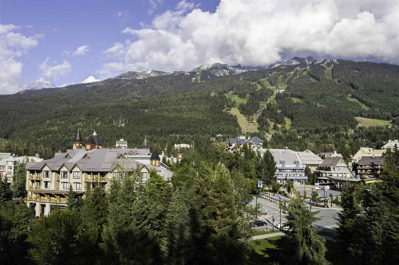 "Main Photo: 612 4315 NORTHLANDS Boulevard in Whistler: Whistler Village Condo for sale in ""CASCADE LODGE"" : MLS®# R2388811"