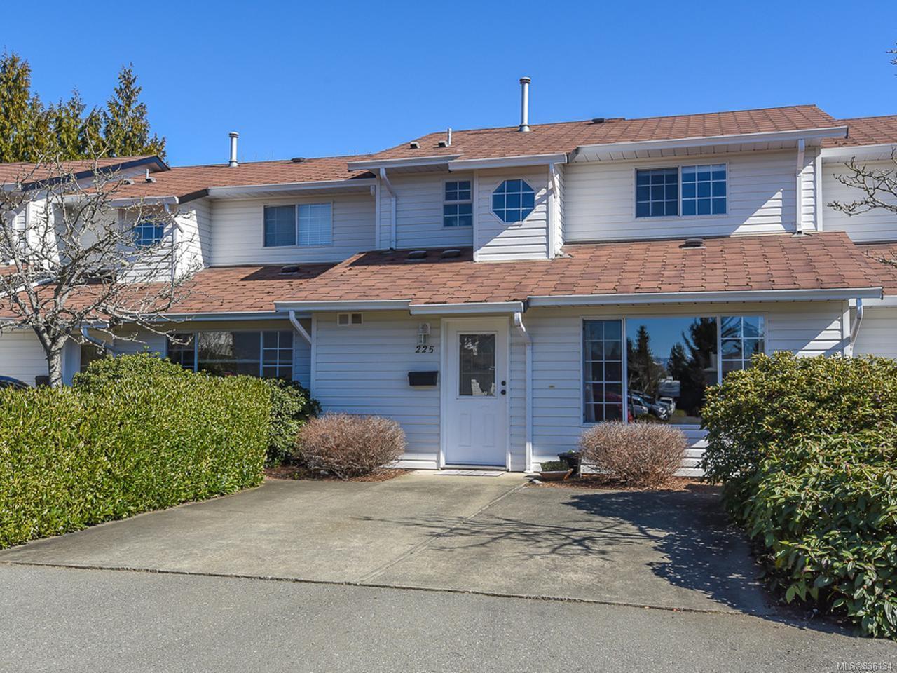 Main Photo: 225 680 Murrelet Dr in COMOX: CV Comox (Town of) Row/Townhouse for sale (Comox Valley)  : MLS®# 836134