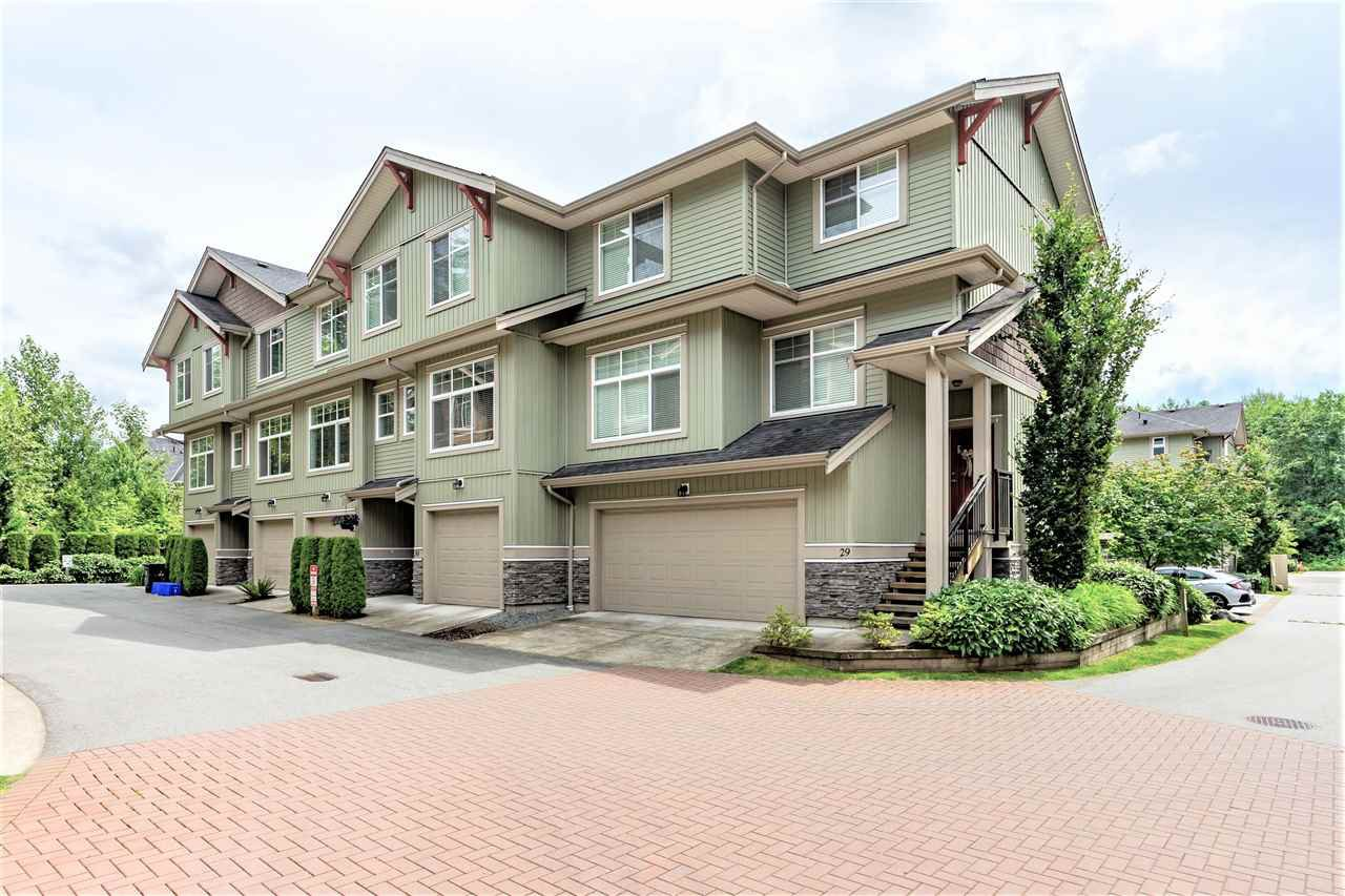 """Main Photo: 31 20967 76 Avenue in Langley: Willoughby Heights Townhouse for sale in """"NATURE'S WALK"""" : MLS®# R2472960"""