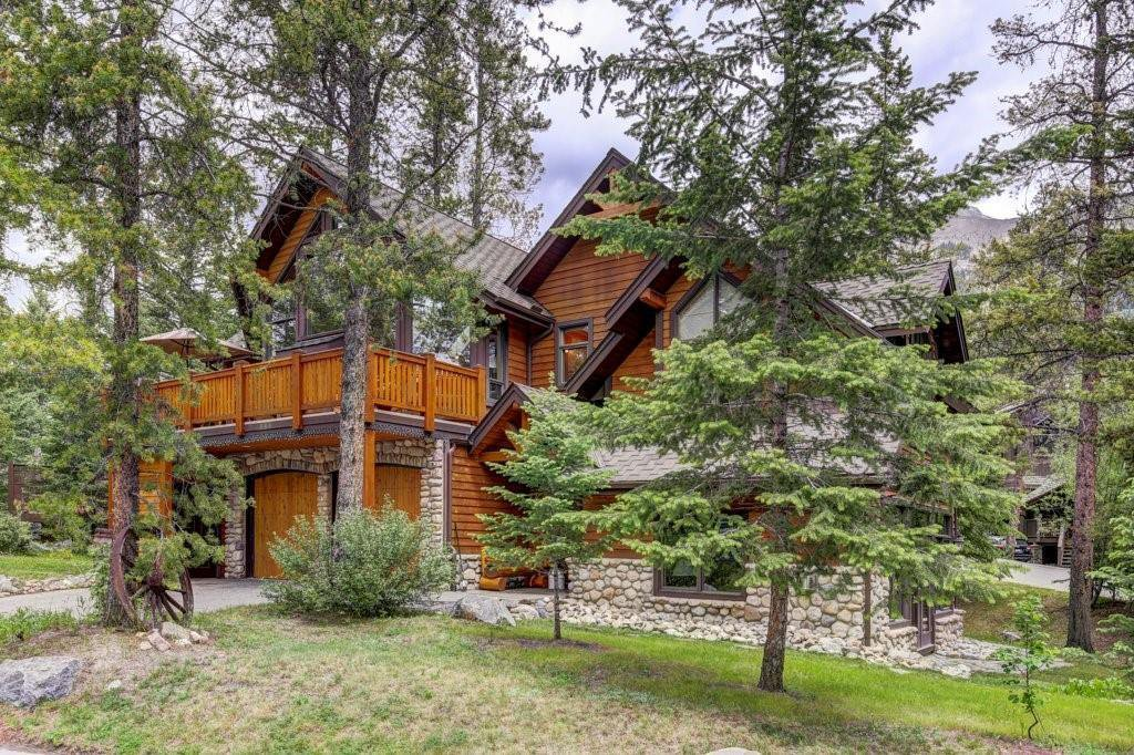 Main Photo: 17 Blue Grouse Ridge: Canmore Detached for sale : MLS®# A1042136