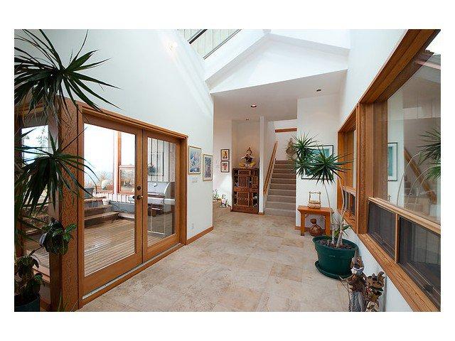 Main Photo: 472 BRAEWOOD PL: Bowen Island House for sale : MLS®# V1017666