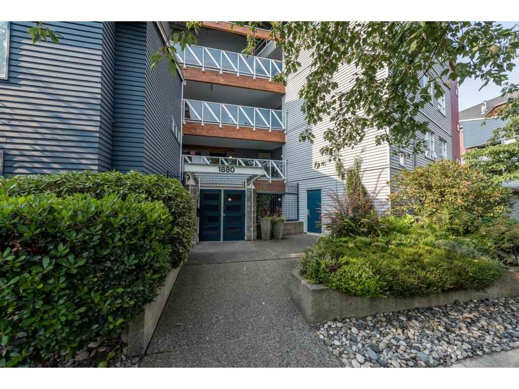 Main Photo: 111 1880 E KENT AVENUE SOUTH AVENUE in : South Marine Condo for sale (Vancouver East)  : MLS®# R2195258