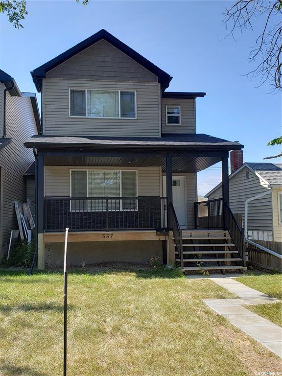 Main Photo: 537 L Avenue North in Saskatoon: Westmount Residential for sale : MLS®# SK784314