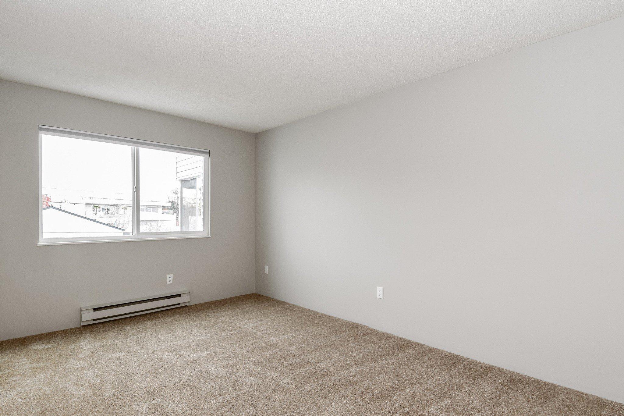 "Photo 12: Photos: 304 1354 WINTER Street: White Rock Condo for sale in ""Winter Estates"" (South Surrey White Rock)  : MLS®# R2418104"