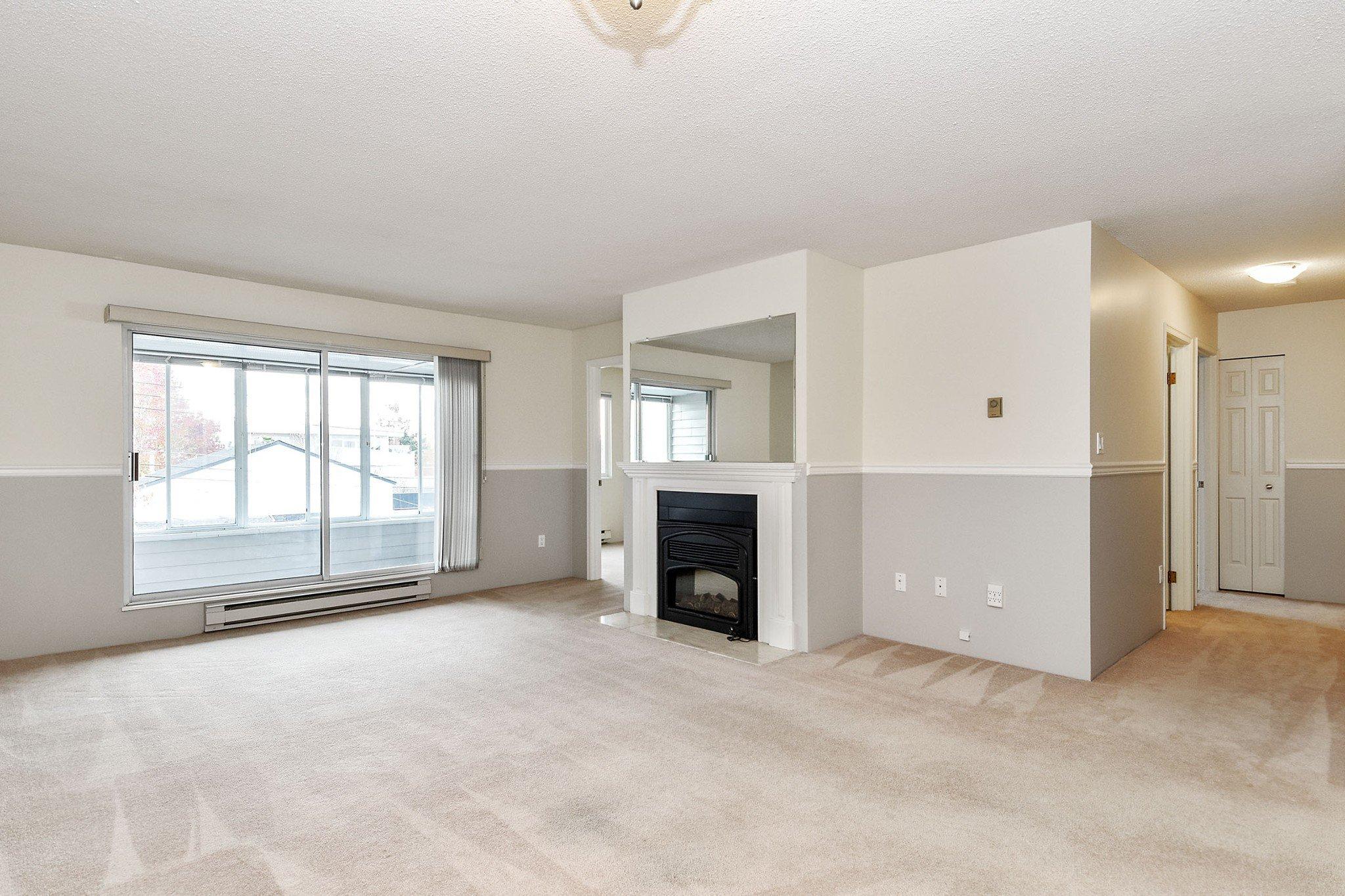 "Photo 6: Photos: 304 1354 WINTER Street: White Rock Condo for sale in ""Winter Estates"" (South Surrey White Rock)  : MLS®# R2418104"