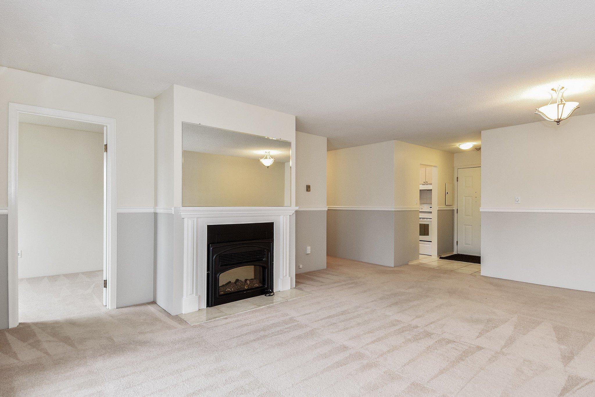 "Photo 4: Photos: 304 1354 WINTER Street: White Rock Condo for sale in ""Winter Estates"" (South Surrey White Rock)  : MLS®# R2418104"