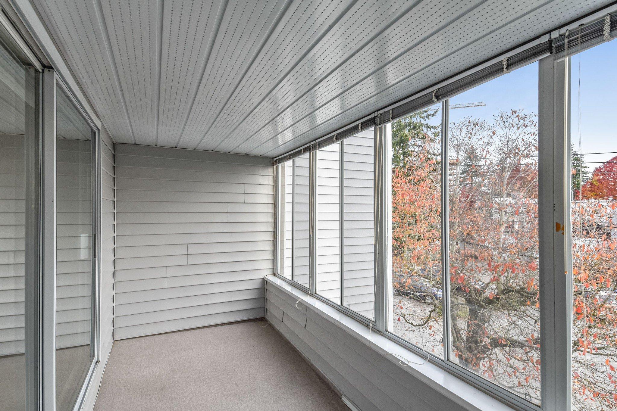 "Photo 16: Photos: 304 1354 WINTER Street: White Rock Condo for sale in ""Winter Estates"" (South Surrey White Rock)  : MLS®# R2418104"