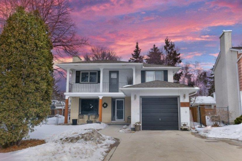 Main Photo: 43 St Dunstans Bay in Winnipeg: Fort Richmond Residential for sale (1K)  : MLS®# 202006265