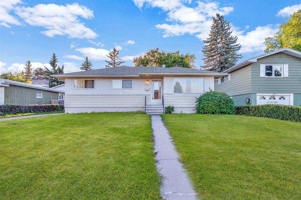 Main Photo: 7827 7 Street SW in Calgary: Kingsland Detached for sale : MLS®# A1030165