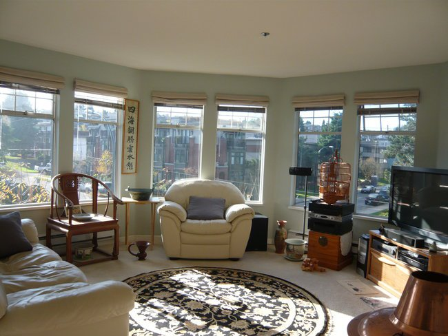 Main Photo: 301 1989 West 1st Avenue in Vancouver West: Kitsilano Home for sale ()  : MLS®# V730821