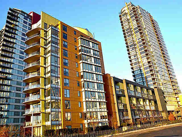 """Main Photo: 2005 33 SMITHE Street in Vancouver: Yaletown Condo for sale in """"Coopers Lookout"""" (Vancouver West)  : MLS®# V1075004"""