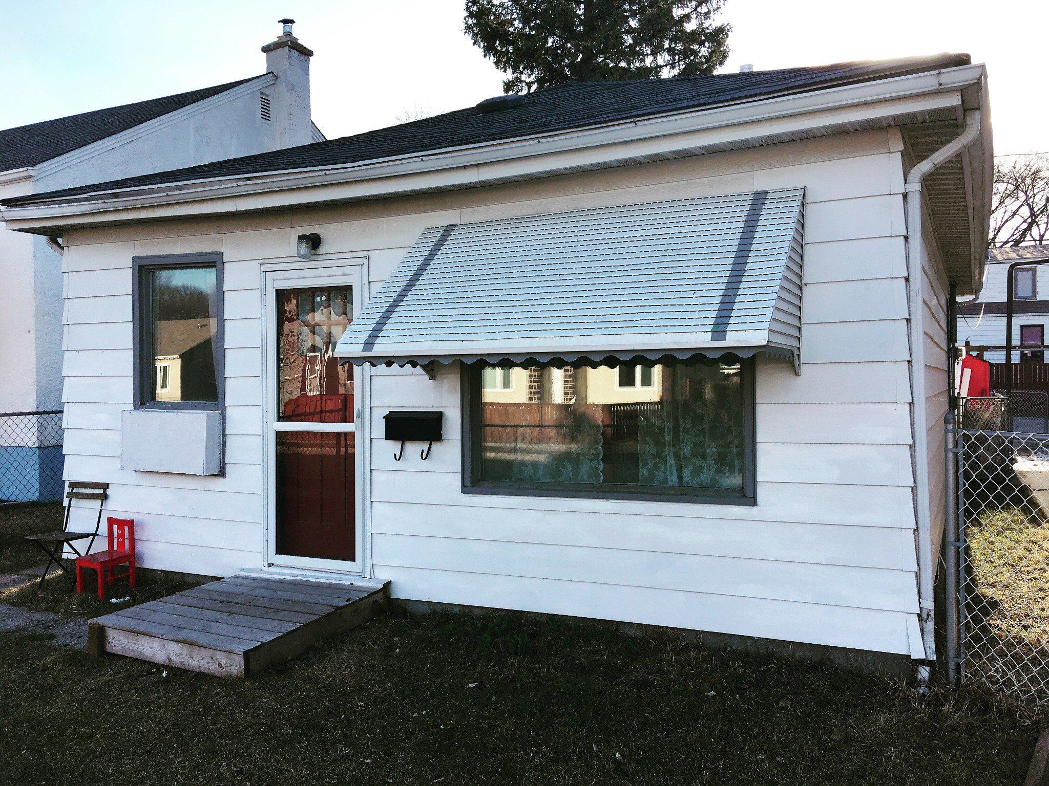 Main Photo: 1172 Valour Road in Winnipeg: Sargent Park Single Family Detached for sale (5C)  : MLS®# 1810002