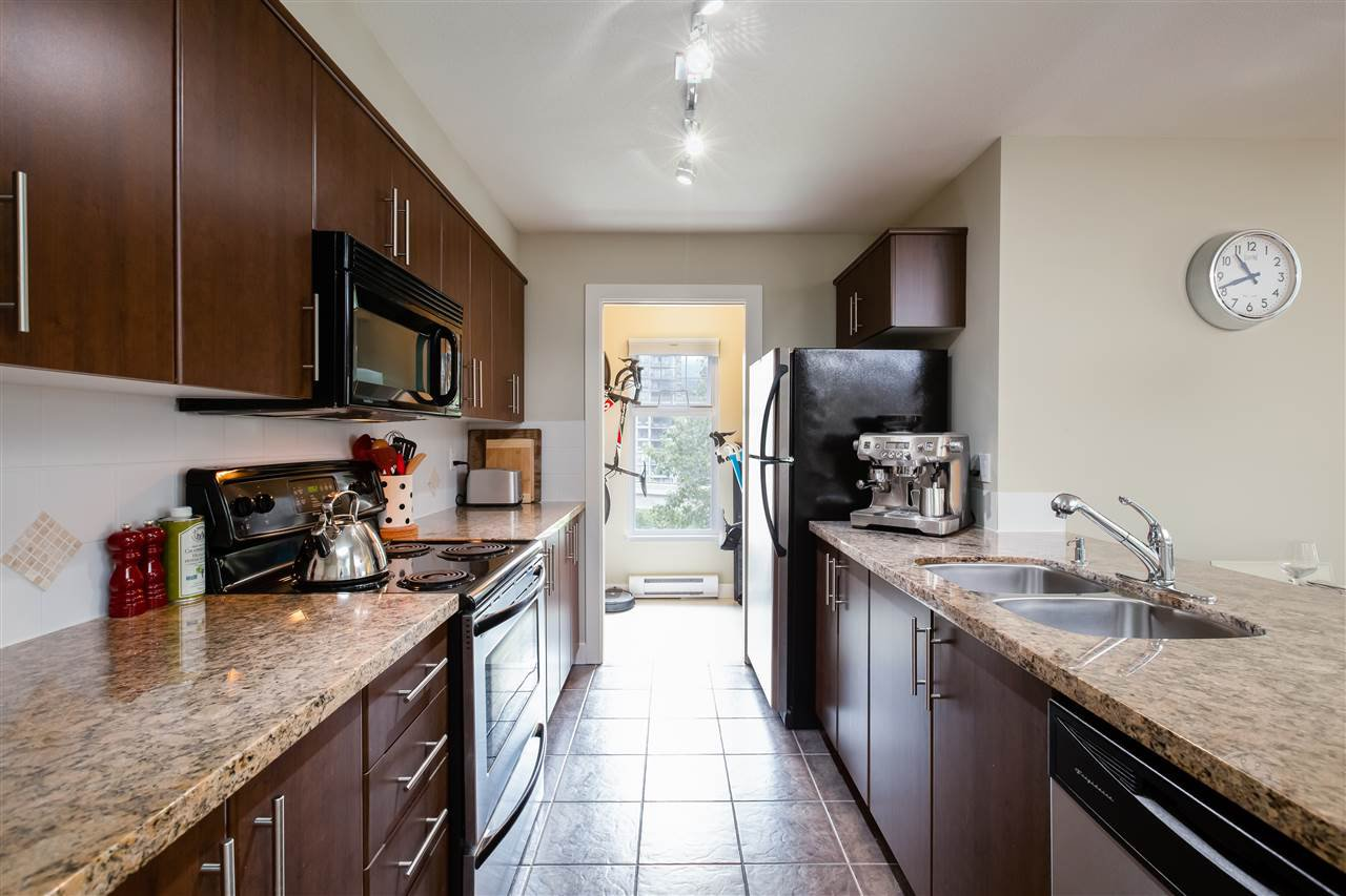 """Main Photo: 309 3250 ST JOHNS Street in Port Moody: Port Moody Centre Condo for sale in """"The Square"""" : MLS®# R2396381"""