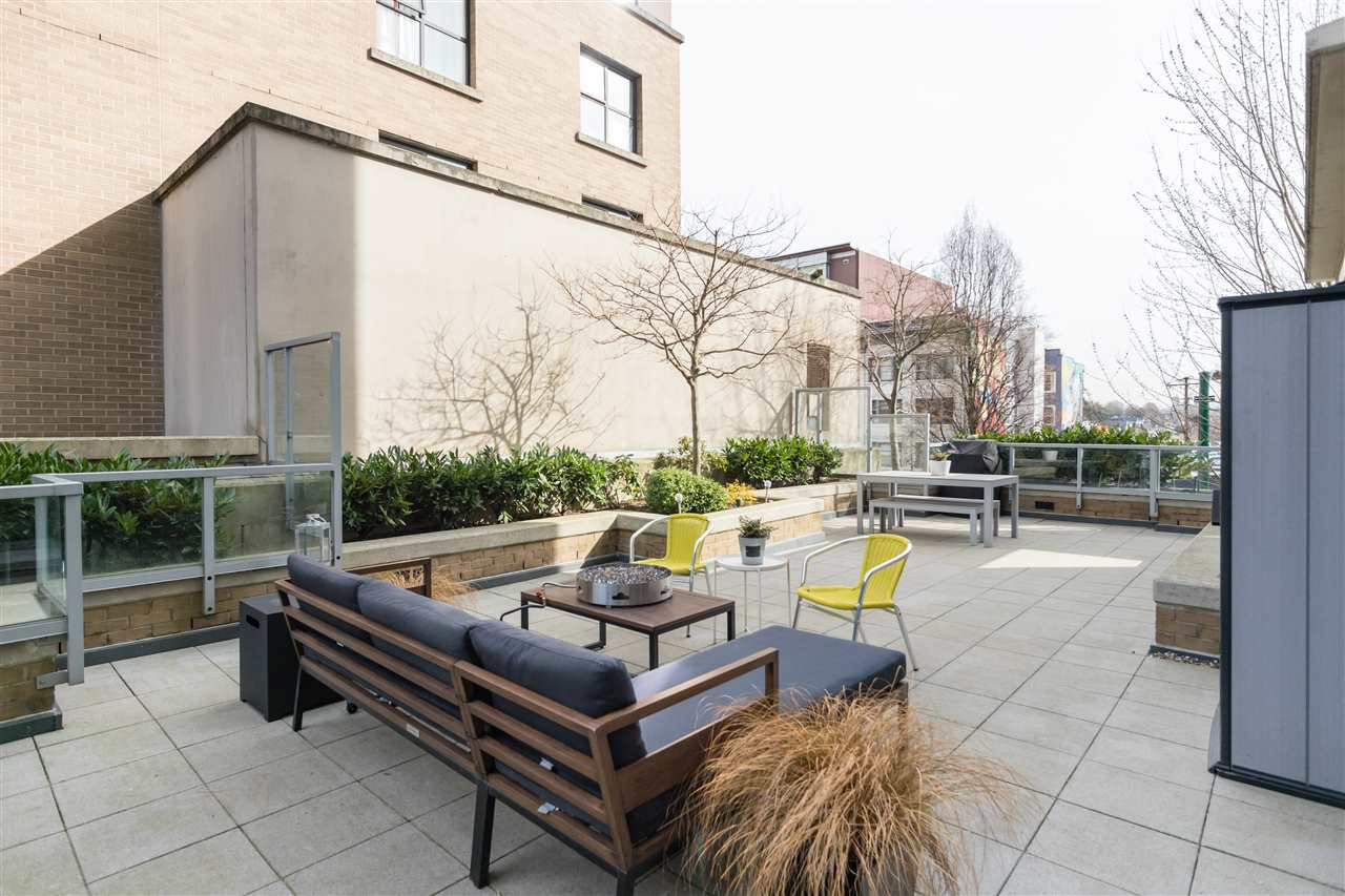 """Main Photo: 302 189 NATIONAL Avenue in Vancouver: Downtown VE Condo for sale in """"SUSSEX"""" (Vancouver East)  : MLS®# R2446156"""
