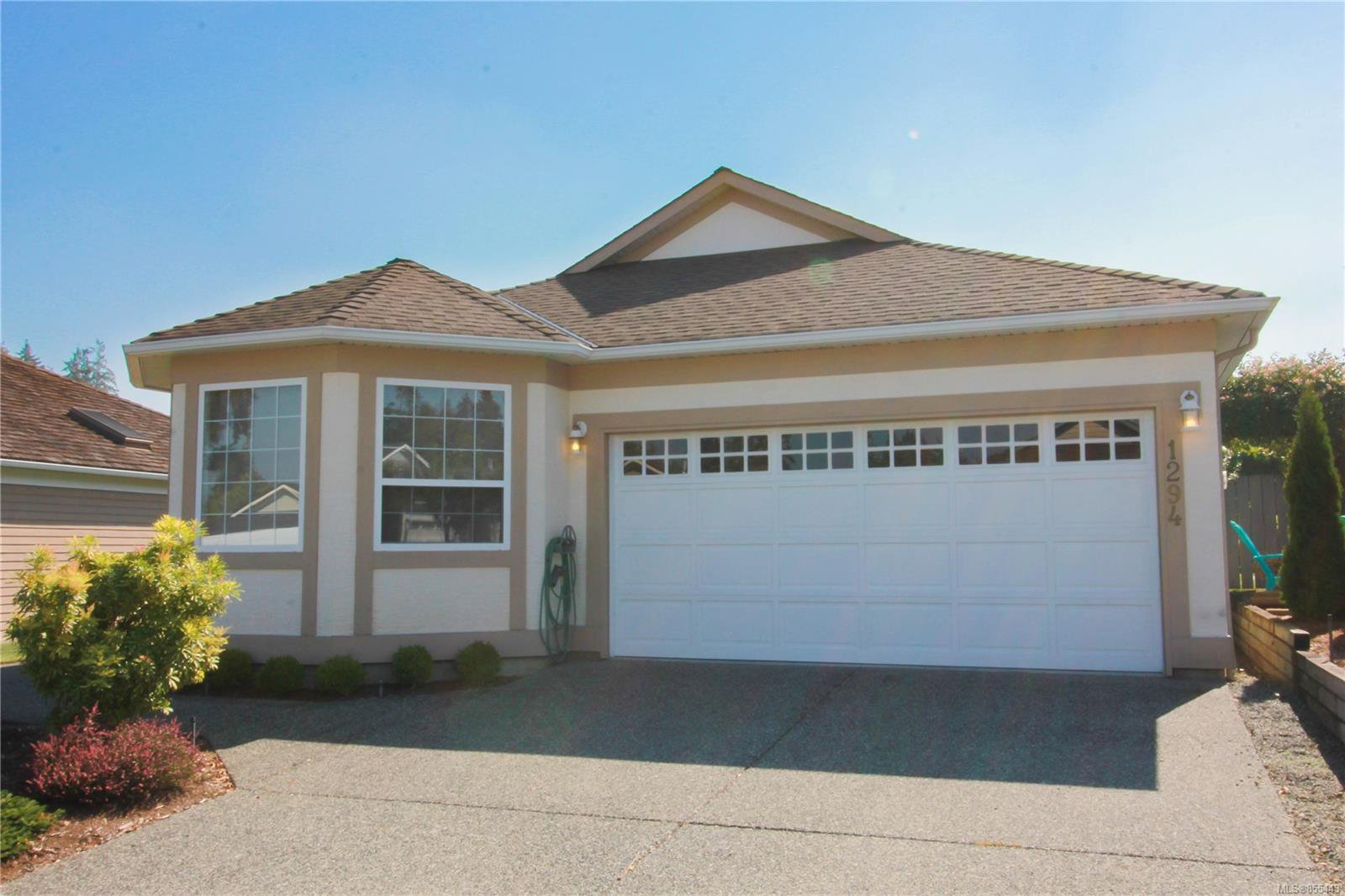 Main Photo: 1294 Leeward Way in : PQ Qualicum Beach House for sale (Parksville/Qualicum)  : MLS®# 855443