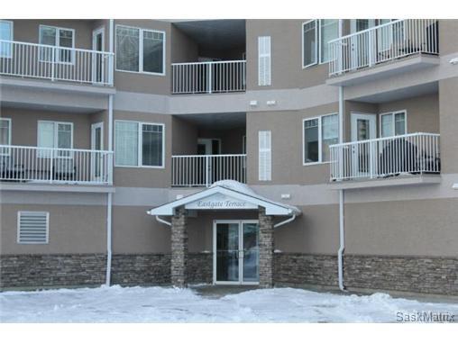 Main Photo: 107 3730 EASTGATE Drive in Regina: East Pointe Estates Condominium for sale (Regina Area 04)  : MLS®# 456379