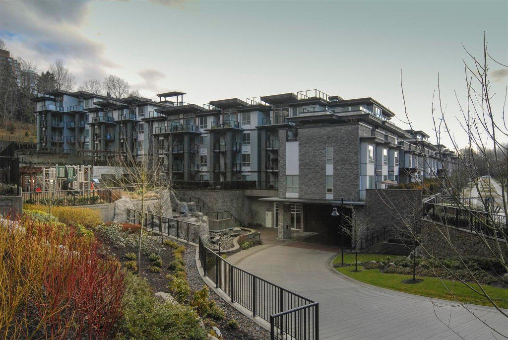 Main Photo: # 409 7418 BYRNEPARK WK in Burnaby: South Slope Condo for sale (Burnaby South)  : MLS®# V1046795