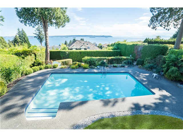 Main Photo: 3250 Westmount Rd in West Vancouver: Westmount WV House for sale : MLS®# V1138435