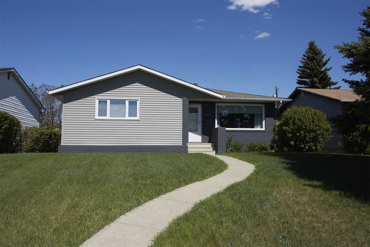Main Photo: 7004 100 Avenue in Edmonton: Zone 19 House for sale : MLS®# E4166611