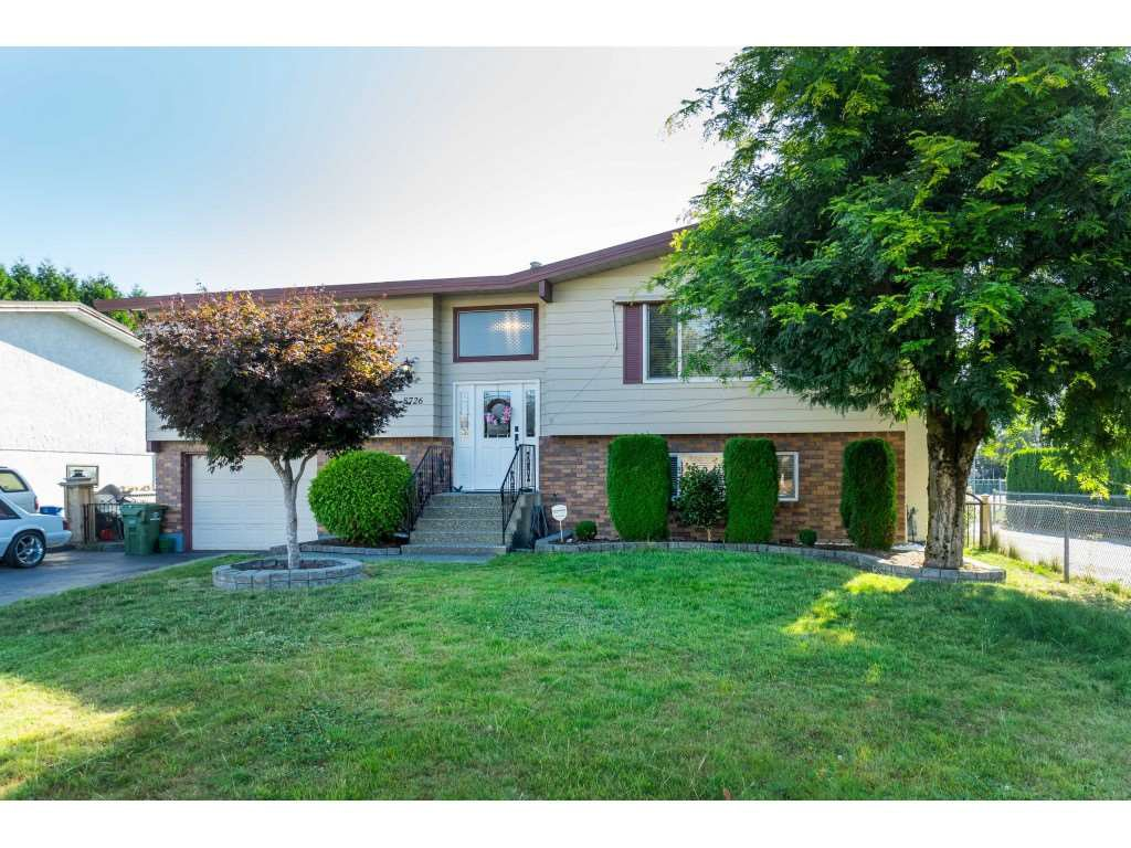 Main Photo: 8726 BAKER Drive in Chilliwack: Chilliwack E Young-Yale House for sale : MLS®# R2399870