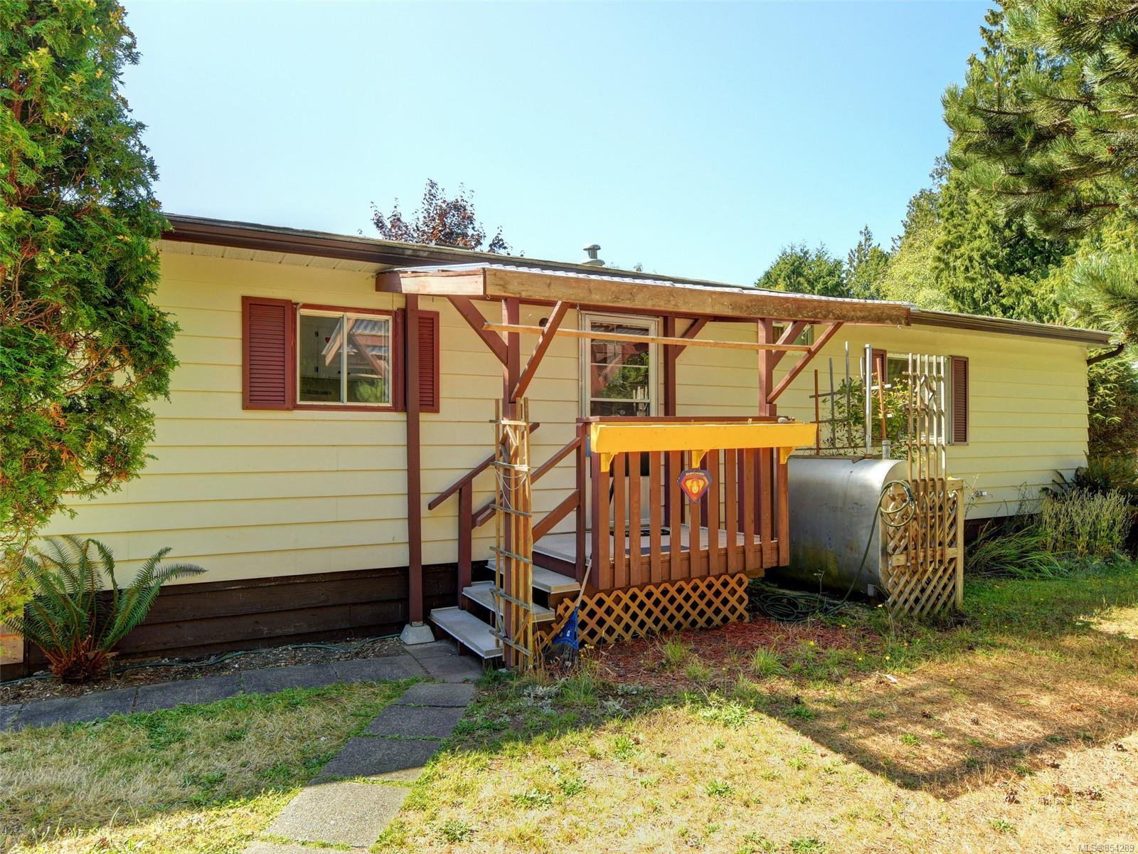 Main Photo: 19 2357 Sooke River Rd in : Sk Sooke River Manufactured Home for sale (Sooke)  : MLS®# 854289