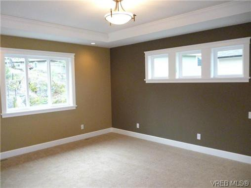 Photo 14: Photos: 559 Bezanton Way in VICTORIA: Co Latoria Residential for sale (Colwood)  : MLS®# 320044