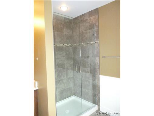 Photo 9: Photos: 559 Bezanton Way in VICTORIA: Co Latoria Residential for sale (Colwood)  : MLS®# 320044