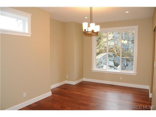 Photo 6: Photos: 559 Bezanton Way in VICTORIA: Co Latoria Residential for sale (Colwood)  : MLS®# 320044