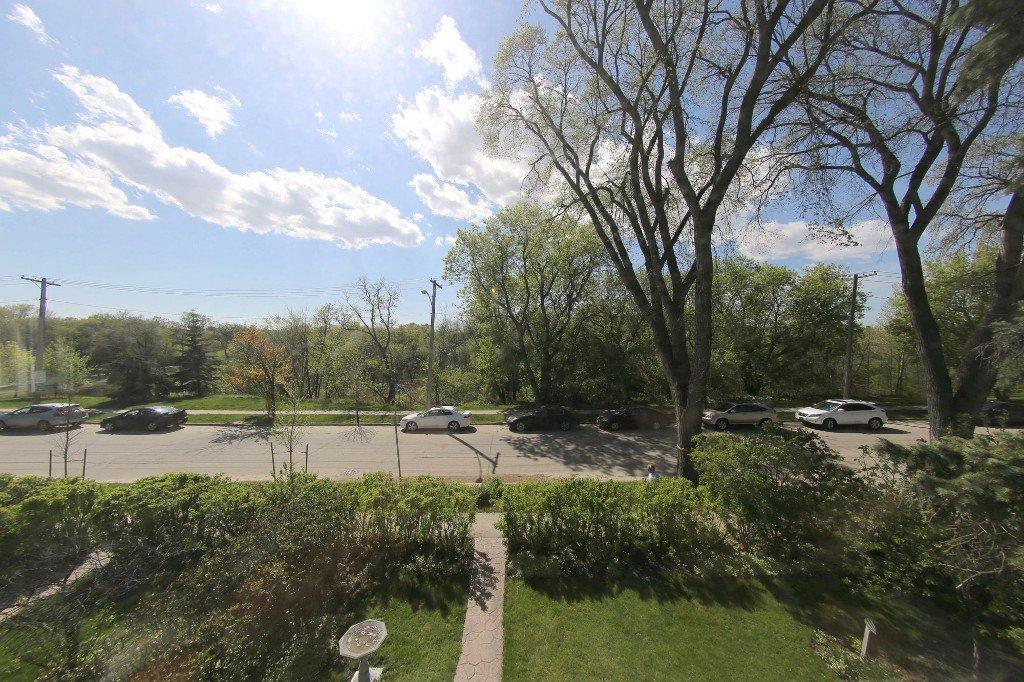 Photo 2: Photos: 481 Raglan Road in Winnipeg: WOLSELEY Single Family Detached for sale (West Winnipeg)  : MLS®# 1515021