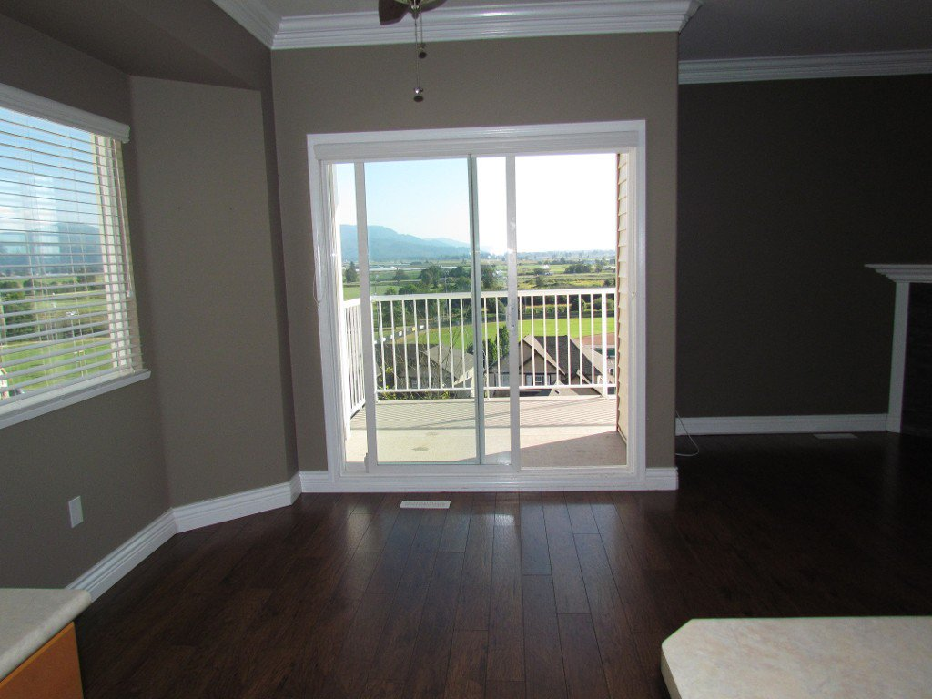 Photo 8: Photos: Upper 35588 Dina Pl. in Abbotsford: Abbotsford East House for rent