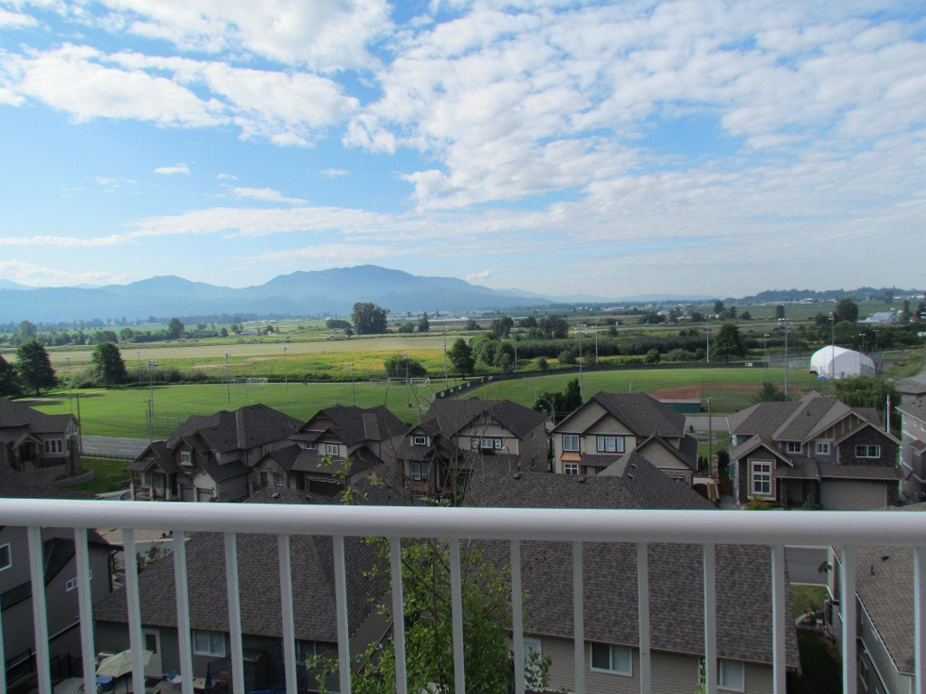 Photo 15: Photos: Upper 35588 Dina Pl. in Abbotsford: Abbotsford East House for rent
