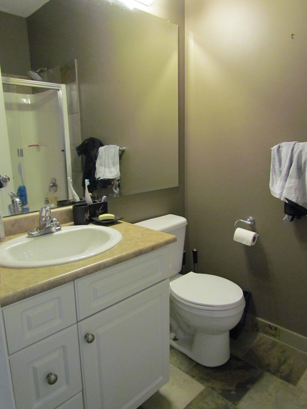 Photo 10: Photos: Upper 35588 Dina Pl. in Abbotsford: Abbotsford East House for rent
