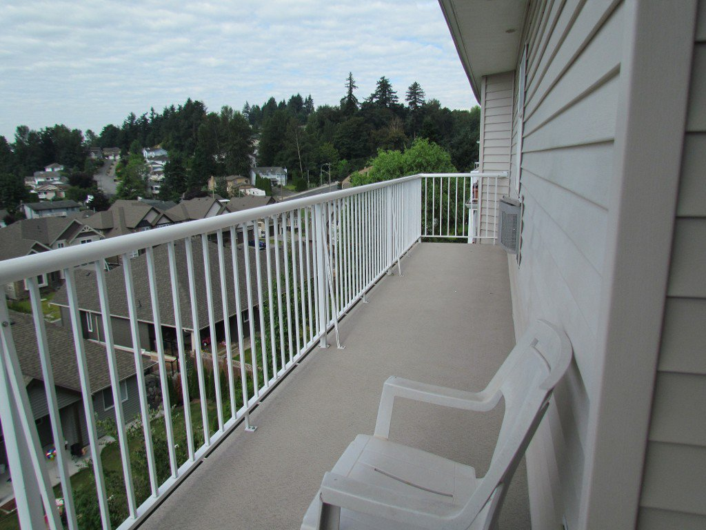 Photo 17: Photos: Upper 35588 Dina Pl. in Abbotsford: Abbotsford East House for rent