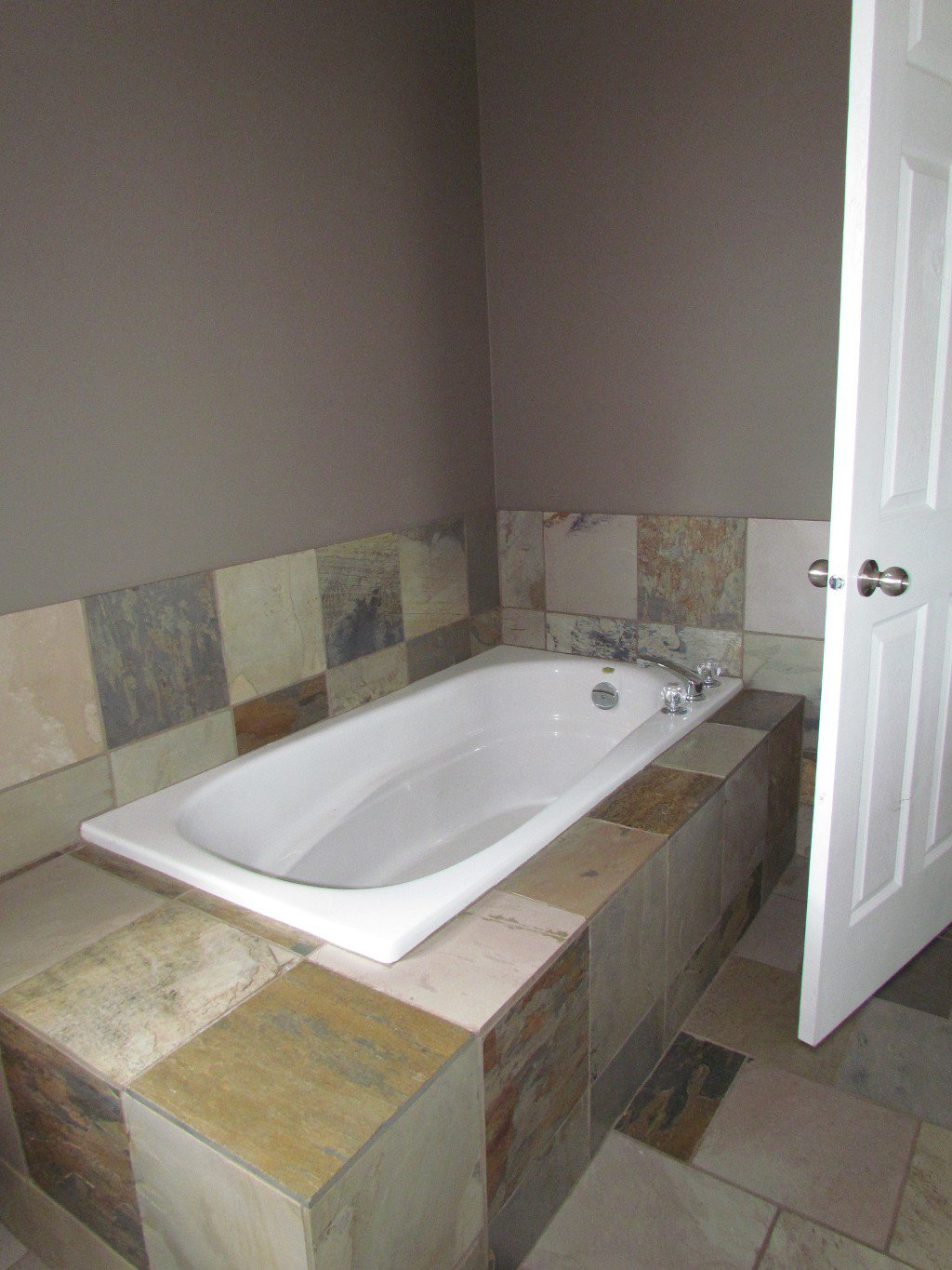 Photo 14: Photos: Upper 35588 Dina Pl. in Abbotsford: Abbotsford East House for rent