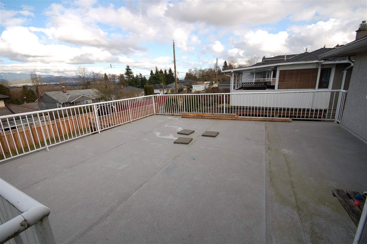 Photo 3: Photos: 4245 HAZELWOOD CRESCENT in Burnaby: Garden Village House for sale (Burnaby South)  : MLS®# R2035246