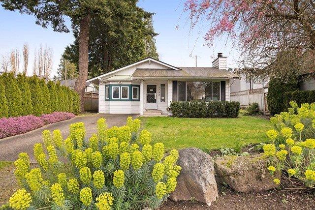 Main Photo: 2788 GORDON AVENUE in Surrey: Crescent Bch Ocean Pk. House for sale (South Surrey White Rock)  : MLS®# R2046605