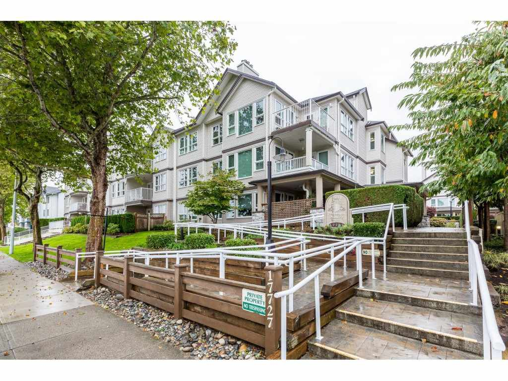 """Main Photo: 107 17727 58 Avenue in Surrey: Cloverdale BC Condo for sale in """"Derby Downs"""" (Cloverdale)  : MLS®# R2411031"""