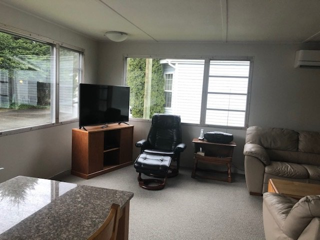 "Photo 9: Photos: 23 12868 229 Street in Maple Ridge: East Central Manufactured Home for sale in ""ALOUETTE MOBILE HOME PARK"" : MLS®# R2436830"
