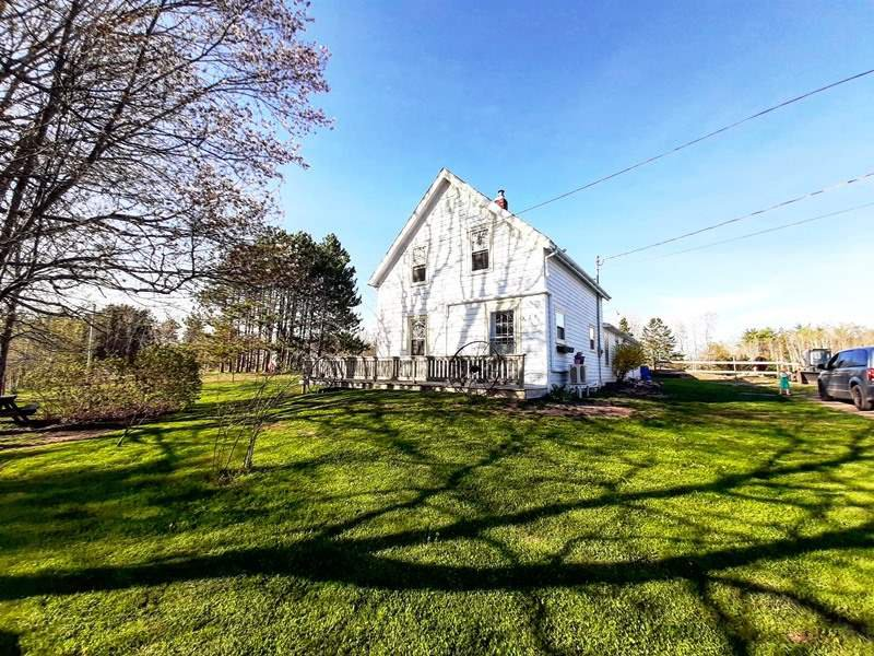 Main Photo: 576 VICTORIA Road in Millville: 404-Kings County Residential for sale (Annapolis Valley)  : MLS®# 202008292